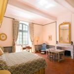 chambre-jaune-appartement18e-chateau-esparron