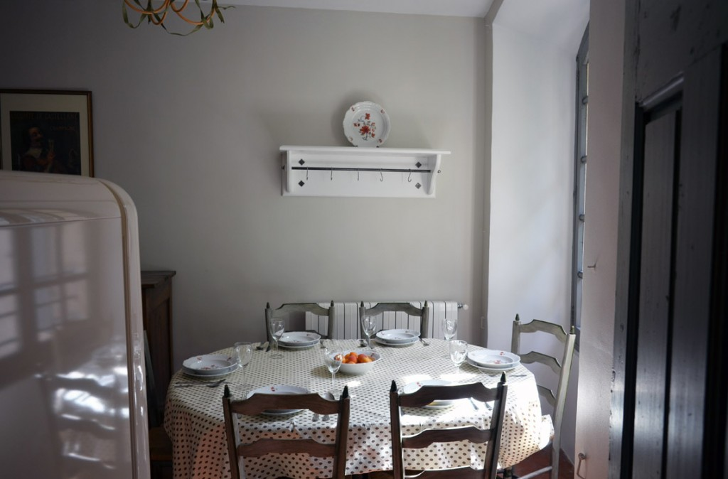 Kitchen, dining corner